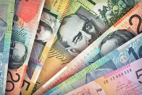 انخفاض الدولار الاسترالي بعد تلميح البنك الاحتياطي الأسترالي لقطع سعر الفائدة