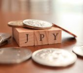 ارتداد صعودي في الين الياباني مع تصحيح الأصول ذات المخاطر العالية